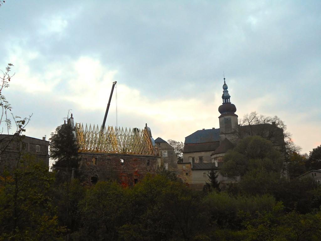 Montaż więźby dachowej spichlerza, wrzesień 2014 r.